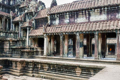 Внутри древнего храма Angkor Wat Стоковое Фото