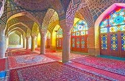 Внутри розовой мечети, Шираз, Иран Стоковые Изображения