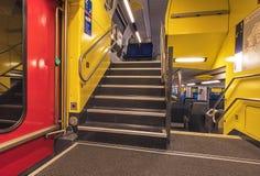 Внутри швейцарского федерального пассажирского поезда железных дорог Стоковое фото RF