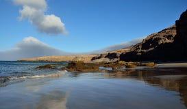 Внушительный пляж, побережье Jandia, Фуэртевентуры Стоковые Фото