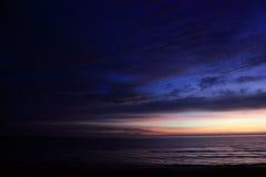 Внушительное фиолетовое и голубое утро Стоковое Изображение RF