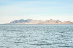 Вода встречает землю--Утихомиривая взгляд около Марины государства Большого озера стоковая фотография rf