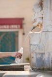 вода выпивая фонтана сухопарая Стоковое Изображение