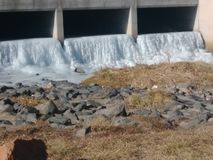 вода замерли падением, котор стоковые фото