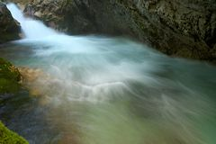 вода идущего потока Стоковые Изображения RF
