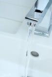 вода из крана крома Стоковые Изображения RF
