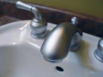 вода из крана крупного плана Стоковая Фотография RF
