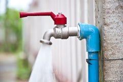 Вода из крана Стоковое Фото