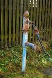 вода насоса сельской местности старая Стоковые Фотографии RF
