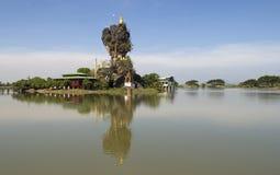 вода озера monastry стоковое фото rf