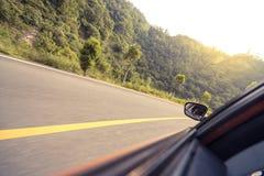 вода перемещения дороги лужка автомобиля Стоковое Изображение