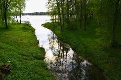 вода потока отражений озера galve подачи Стоковые Изображения