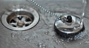 вода раковины штепсельной вилки Стоковые Изображения