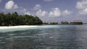 вода рифа фронта коралла бунгал тропическая Стоковая Фотография RF