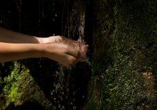 вода рук Стоковые Изображения RF