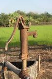 вода сбора винограда насоса Стоковое Изображение