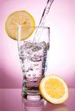 вода стеклянного минерала лимона стоковые фотографии rf