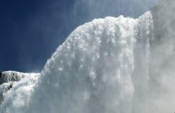 Вода стеной на пещере ветров стоковое изображение