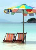 вода стулов пляжа Стоковые Фото