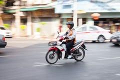 Водитель такси мотоцикла в Бангкоке Стоковое Изображение RF