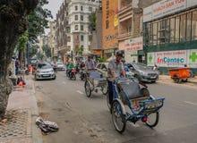 2 водителя такси велосипеда в Сайгоне стоковое фото