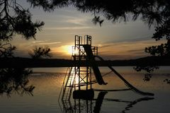 Водные горки на озере Macha на сумраке стоковое фото rf