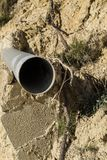 Водоотводная труба на стене стоковая фотография rf