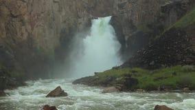 ` 33 водопада parrots `, на таком же пропуске Высота водопада в 30 метров акции видеоматериалы