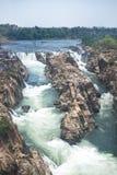 Водопады около города Jabalpur, Индии Красивый пейзаж на реке с водопадами стоковое изображение rf