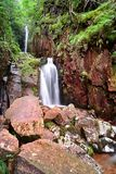 Водопады силы масштаба района озера стоковая фотография