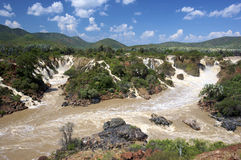 водопады epupa стоковые фото