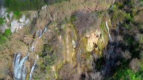 Водопады Paradision около получившейся отказ деревни Trozena r акции видеоматериалы