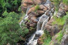 Водопады Soni в горах Usambara стоковые фотографии rf