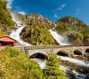 Водопад близнеца Latefossen в Odda Норвегии Стоковое Фото