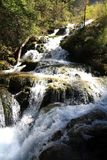 Водопад в национальном парке Jiuzhaigou Сычуань Китая Стоковые Фото
