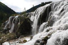 Водопад в национальном парке Jiuzhaigou Стоковая Фотография
