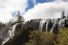 Водопад в национальном парке Jiuzhaigou Стоковое Изображение