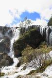 Водопад в национальном парке Jiuzhaigou Стоковые Изображения RF