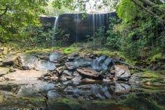 Водопад в национальном парке Phukradueng дождевого леса Таиланд Стоковые Изображения