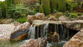 Водопад в саде Дзэн видеоматериал