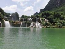 Водопад в южном Китае стоковые изображения