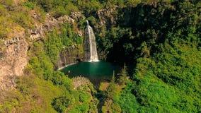 Водопад грандиозного Ла Réunion Bassin! стоковые изображения