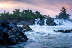 Водопад Дон Pha Pheng, Лаос стоковая фотография rf