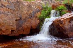 Водопад на меньшем реке стоковые фотографии rf
