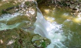 Водопад на реке Mebre 5 Стоковые Фотографии RF