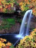 водопад парка minnehaha стоковое фото rf