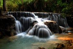 водопад потока горы Стоковые Фотографии RF