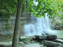 водопад утеса ontario распадка Канады стоковые изображения rf