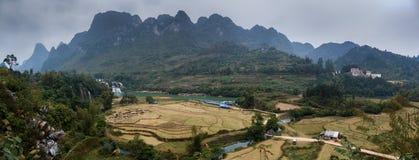 Водопад Bondjok Северный Вьетнам стоковые фотографии rf