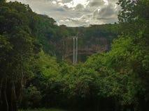 Водопад Chamarel на острове Маврикия стоковые фотографии rf